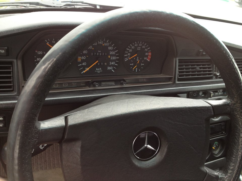 Mercedes-Benz 190 E 2.5-16 Evolution II (29)