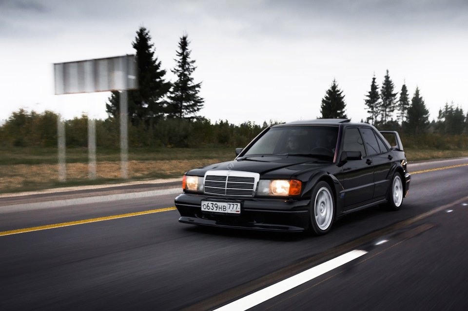 Mercedes-Benz 190 E 2.5-16 Evolution II (9)