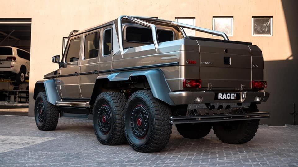 Mercedes-Benz BRABUS 6x6 G700 W463 (1)