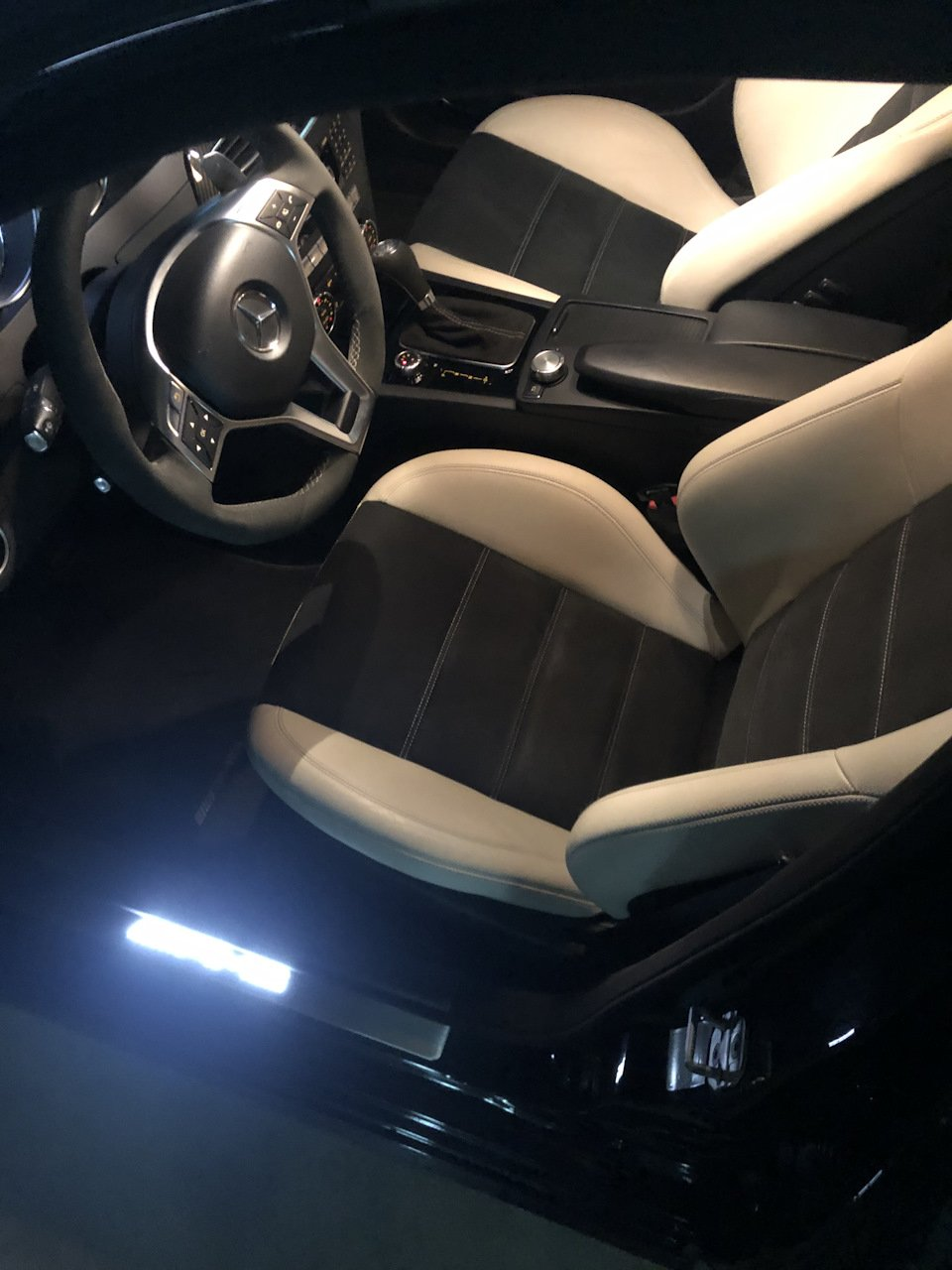 Mercedes-Benz C63 AMG W204 (1)