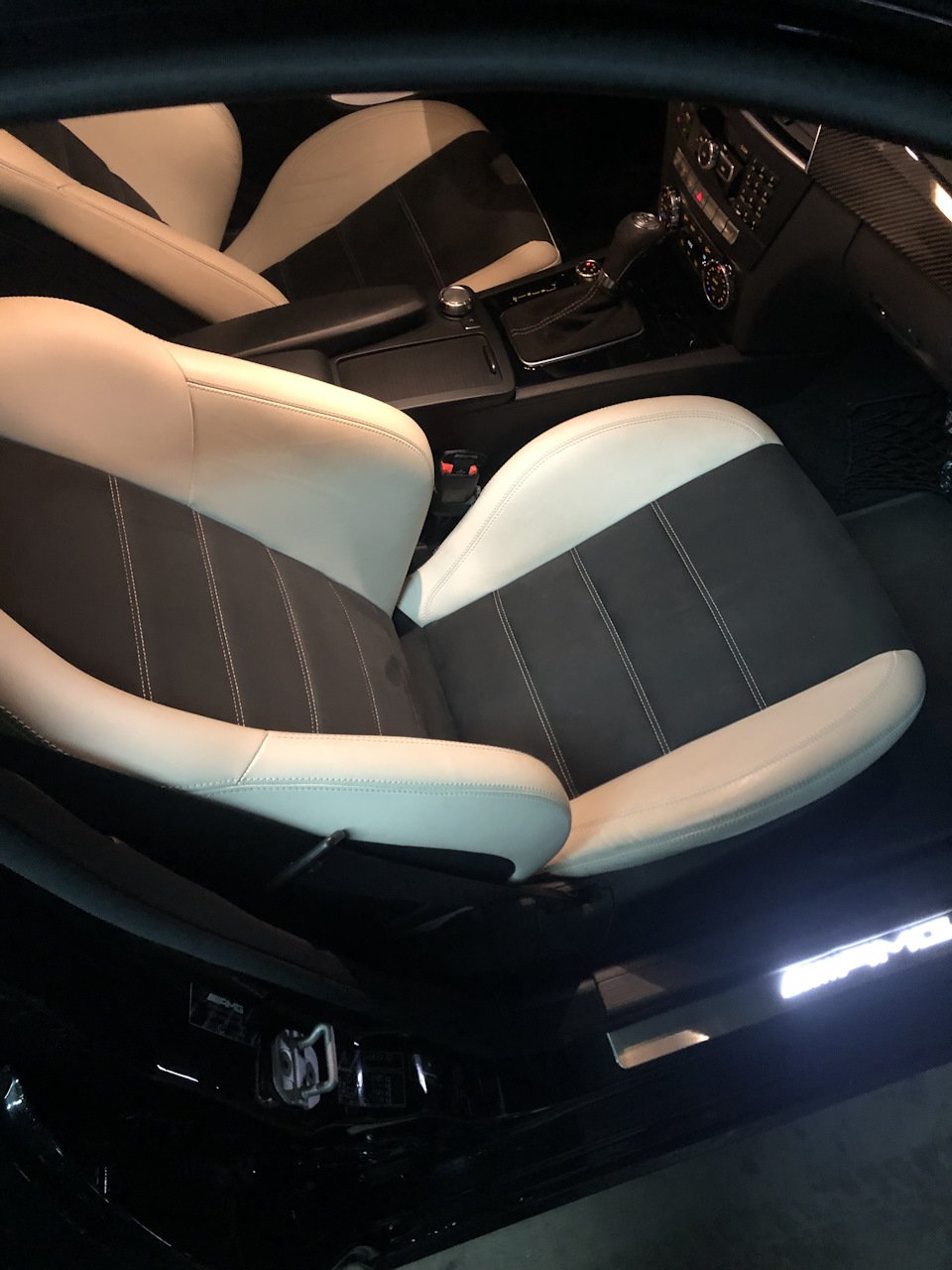 Mercedes-Benz C63 AMG W204 (2)