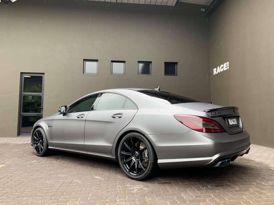Mercedes-Benz CLS63 AMG W218 (3)