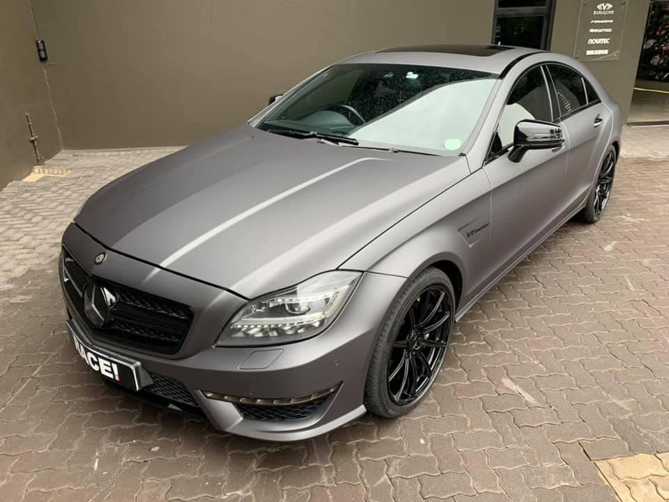 Mercedes-Benz CLS63 AMG W218 (7)