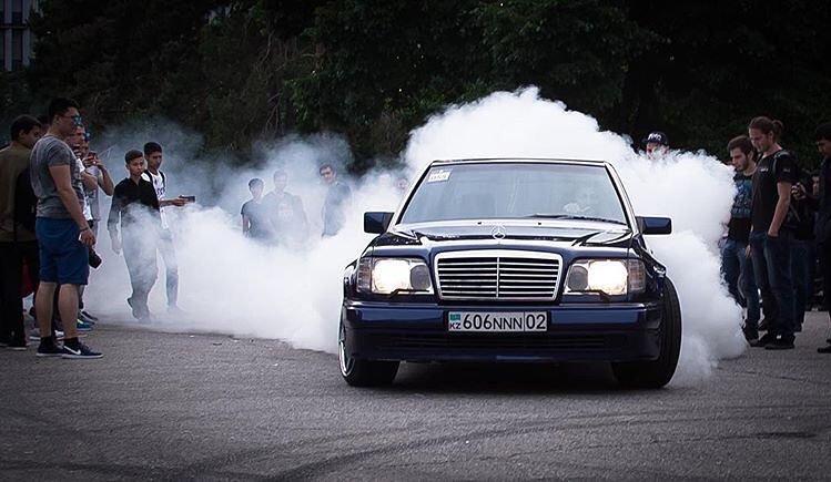 Mercedes-Benz E55 AMG W124 Kompressor (13)