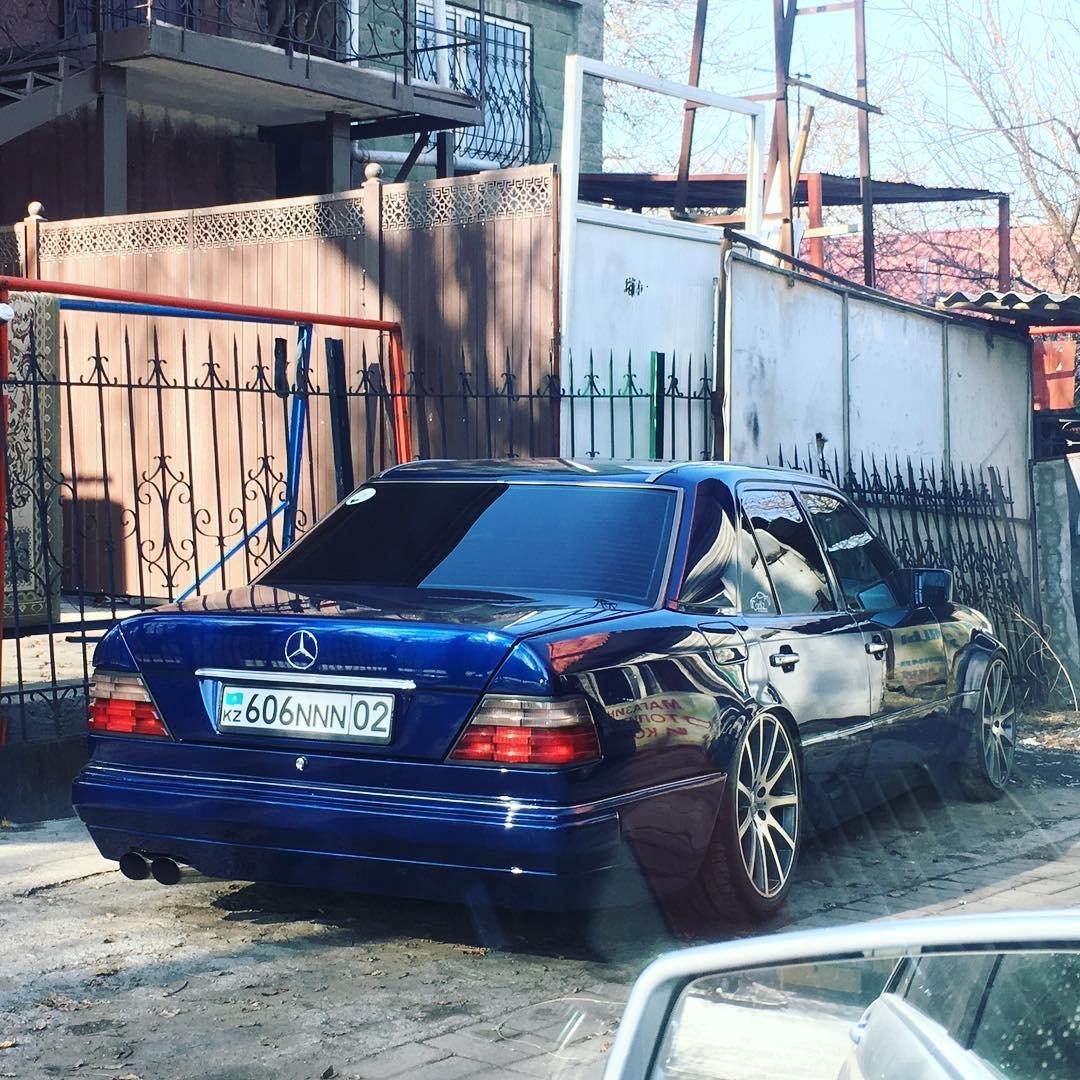 Mercedes-Benz E55 AMG W124 Kompressor (22)