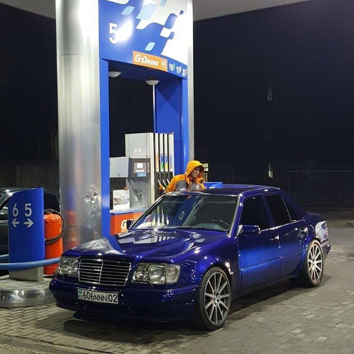 Mercedes-Benz E55 AMG W124 Kompressor (23)