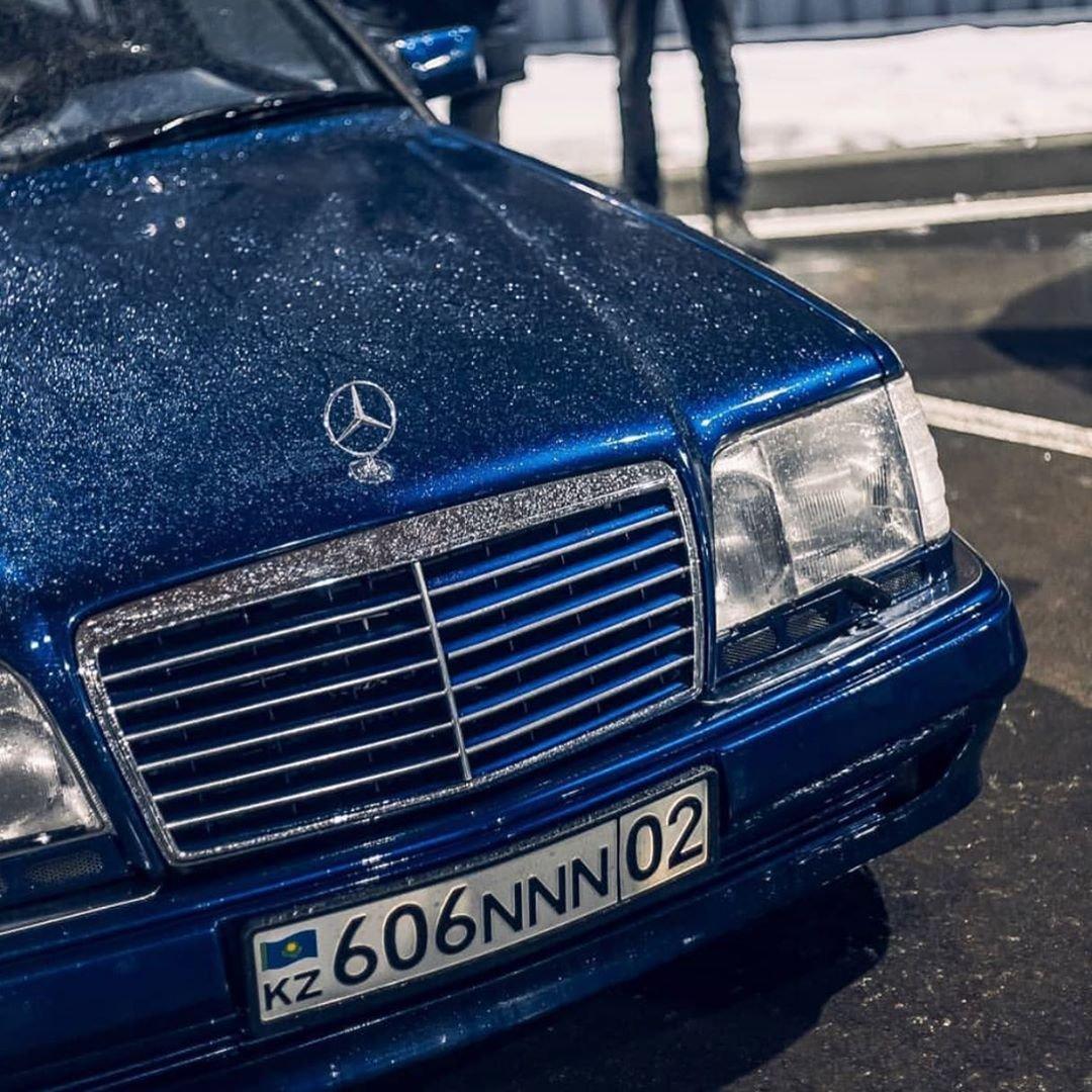 Mercedes-Benz E55 AMG W124 Kompressor (38)