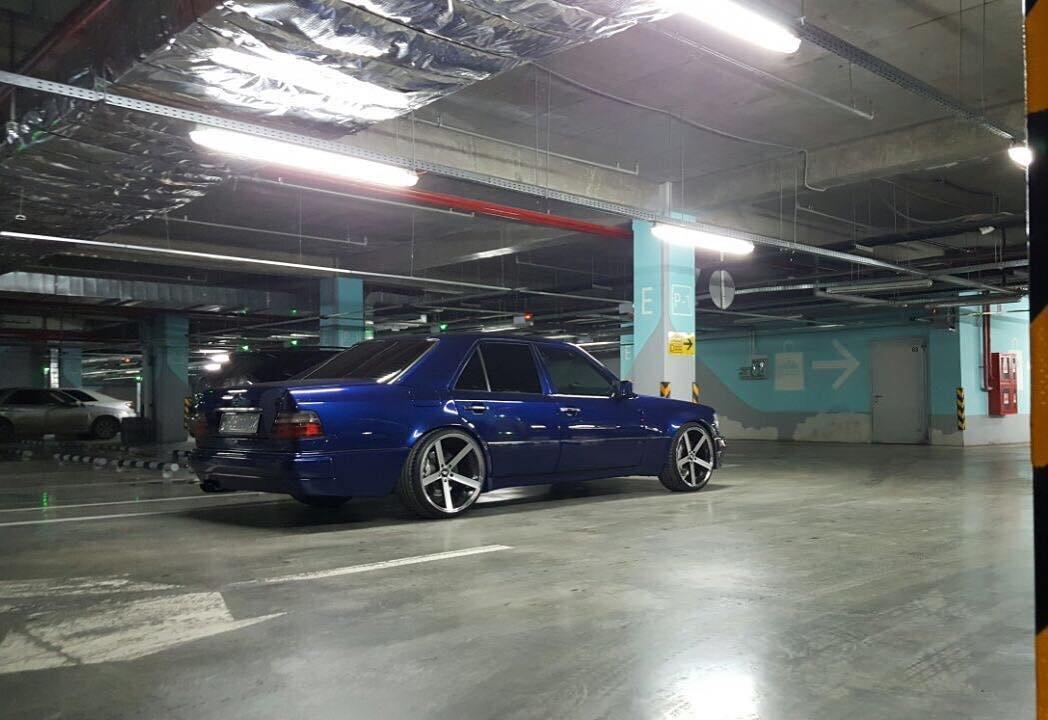 Mercedes-Benz E55 AMG W124 Kompressor (3)