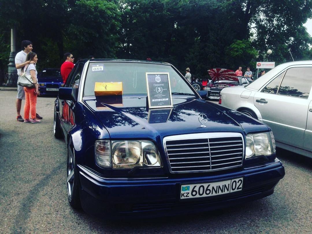Mercedes-Benz E55 AMG W124 Kompressor (9)