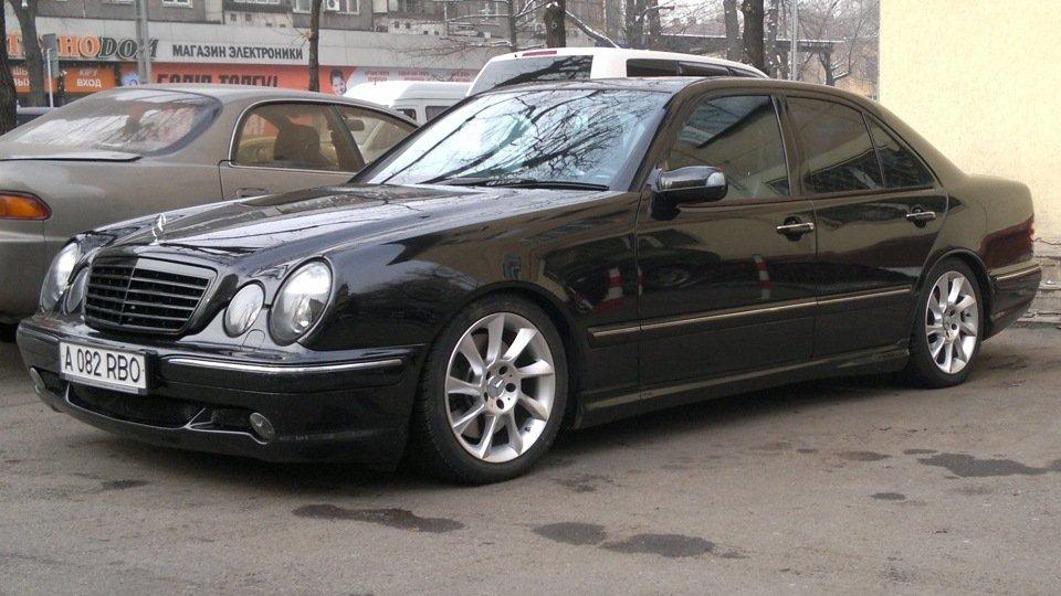 Mercedes-Benz E55 AMG W210 (12)