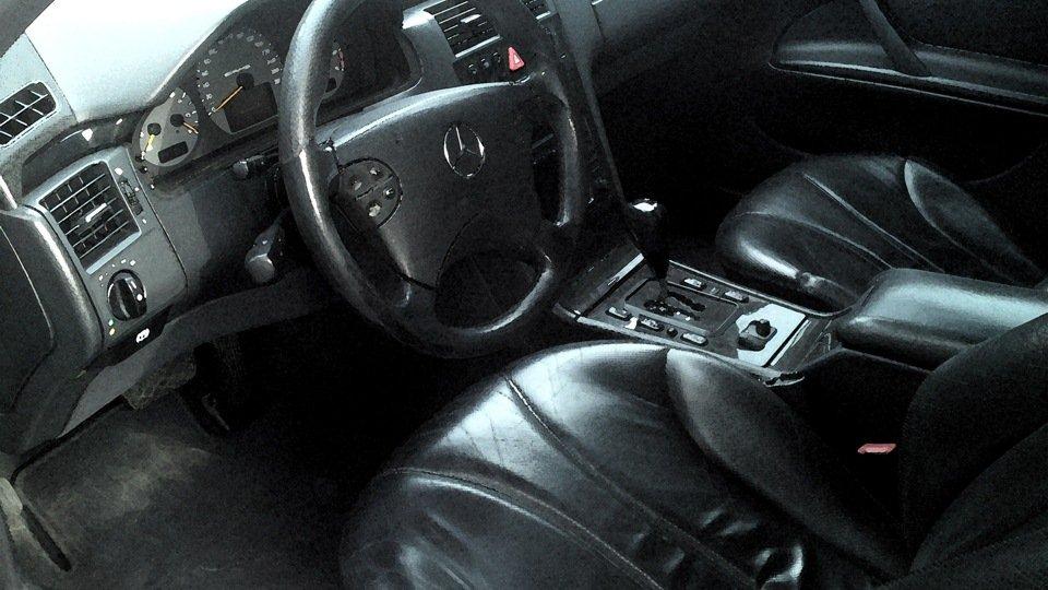 Mercedes-Benz E55 AMG W210 (15)