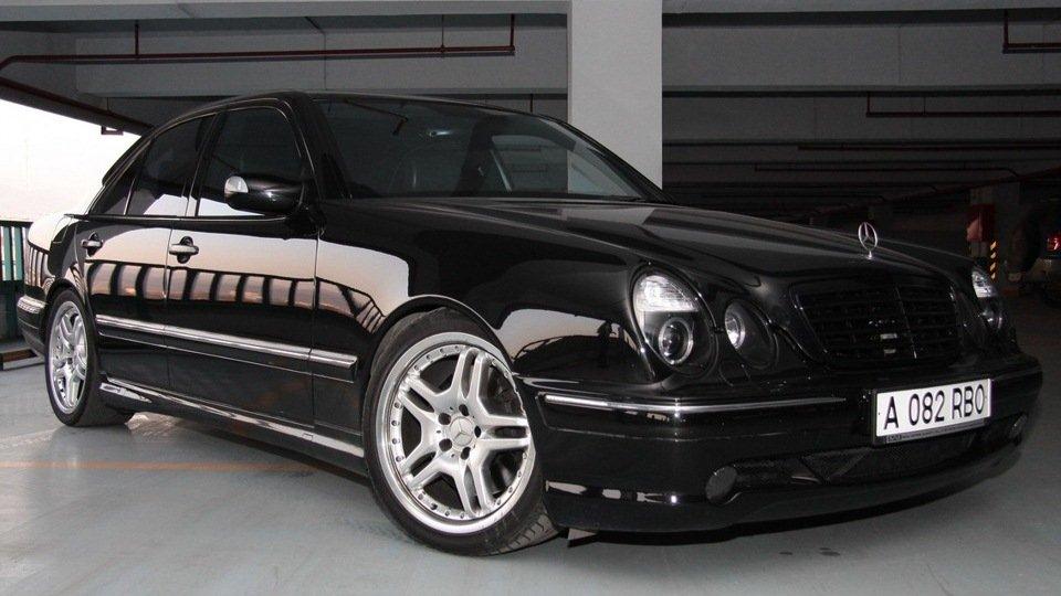 Mercedes-Benz E55 AMG W210 (16)