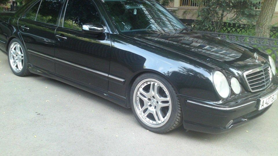 Mercedes-Benz E55 AMG W210 (17)