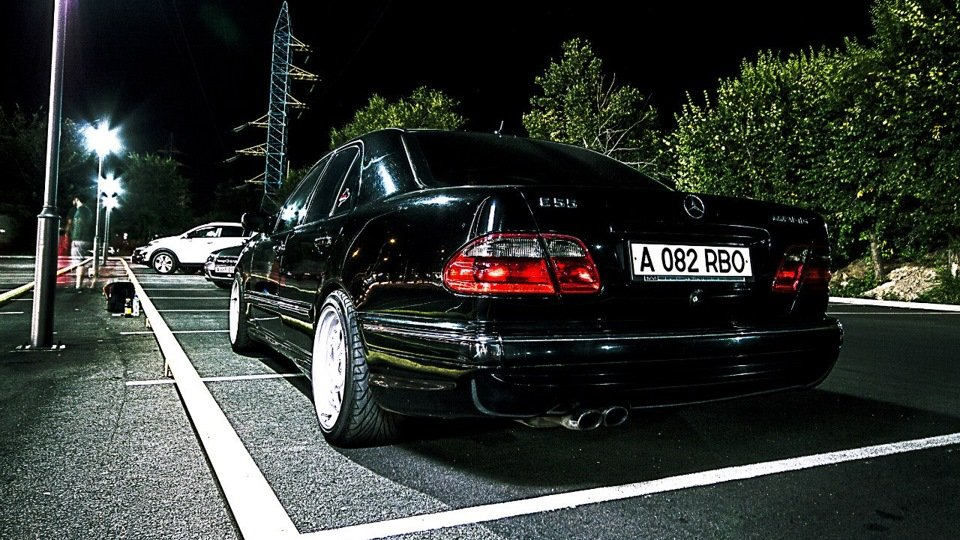 Mercedes-Benz E55 AMG W210 (18)