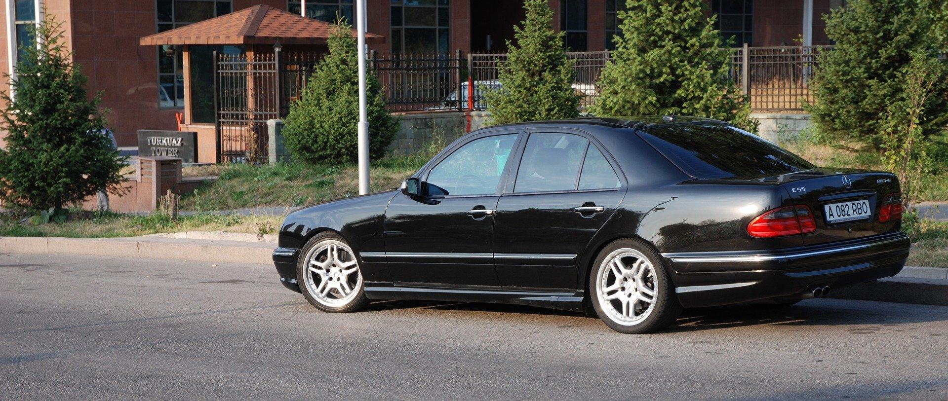 Mercedes-Benz E55 AMG W210 (19)
