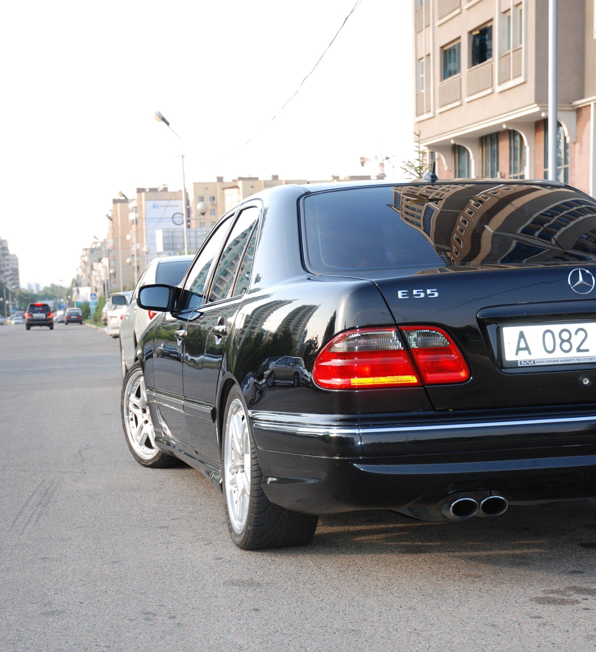Mercedes-Benz E55 AMG W210 (22)