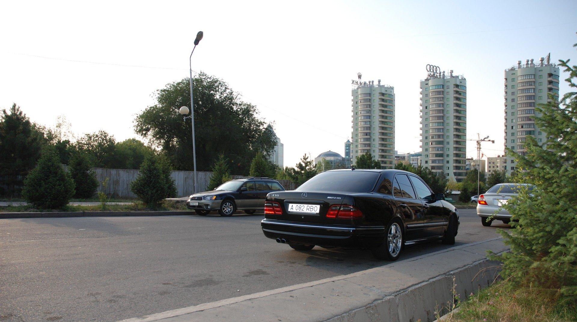 Mercedes-Benz E55 AMG W210 (7)