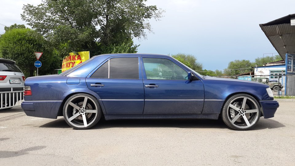 Mercedes-Benz E55 W124 Kompressor (4)
