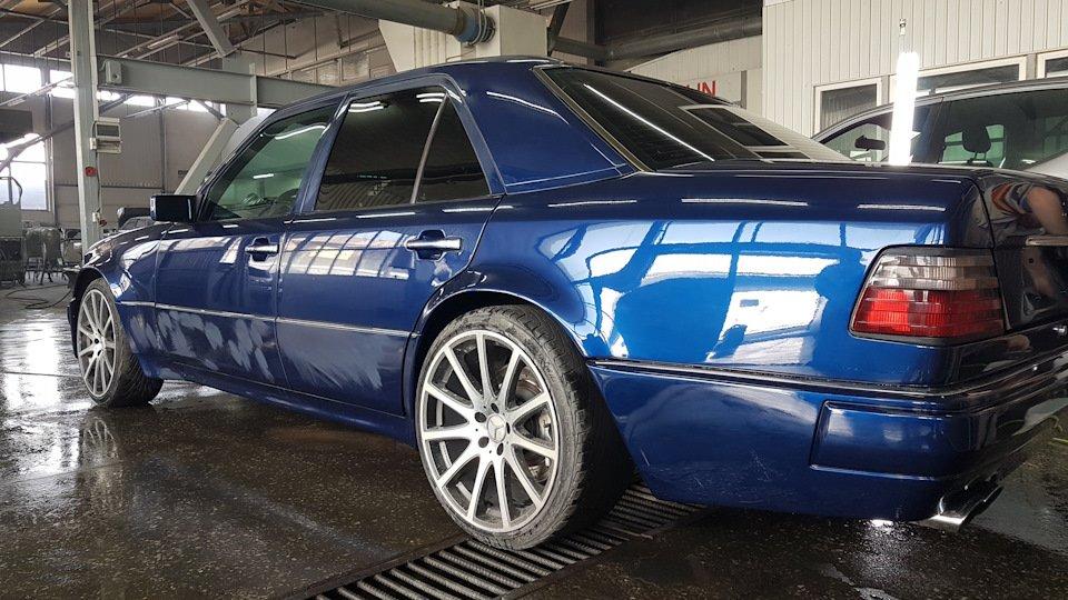 Mercedes-Benz E55 W124 Kompressor (5)