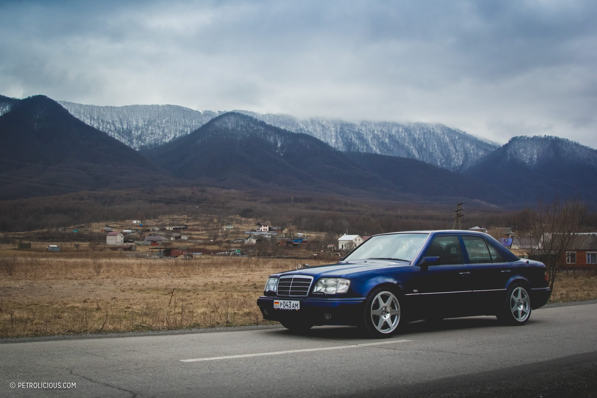 Mercedes-Benz E60 AMG W124 (1)