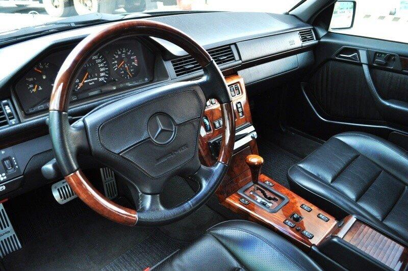 Mercedes-Benz E60 AMG W124 (5)