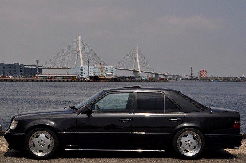 Mercedes-Benz E60 AMG W124 (8)