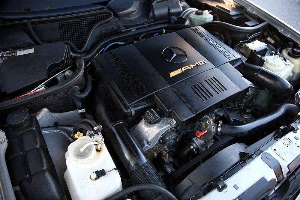 Mercedes-Benz E60 AMG W210 T-model (1)