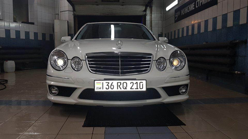 Mercedes-Benz E63 AMG W211 (14)