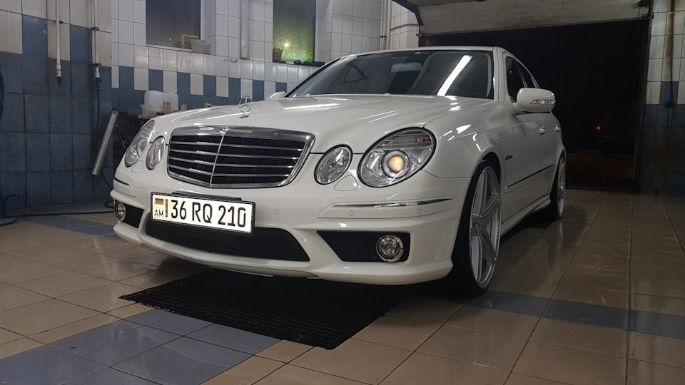 Mercedes-Benz E63 AMG W211 (15)