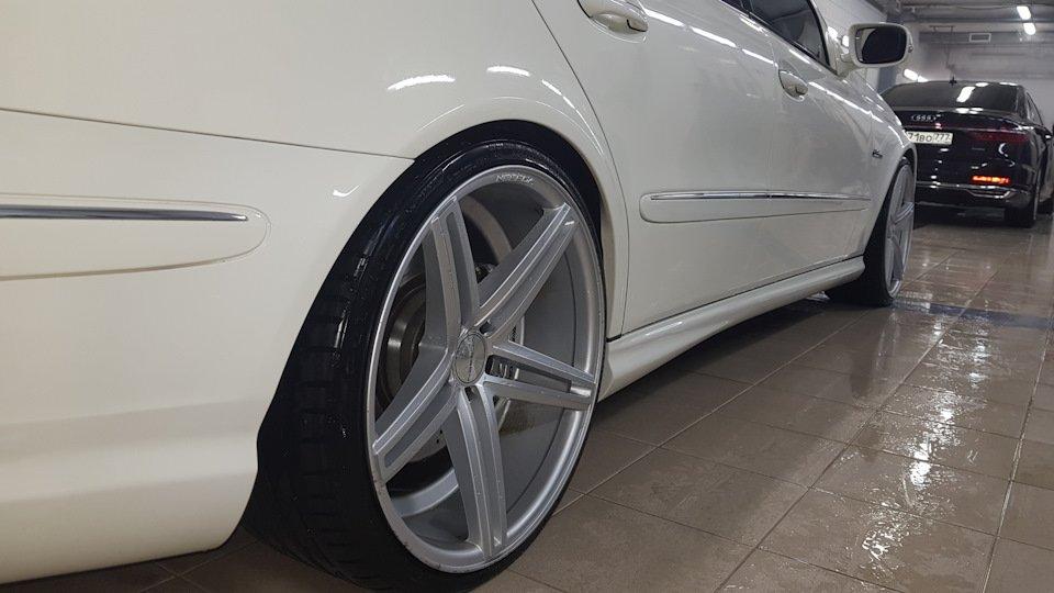Mercedes-Benz E63 AMG W211 (16)