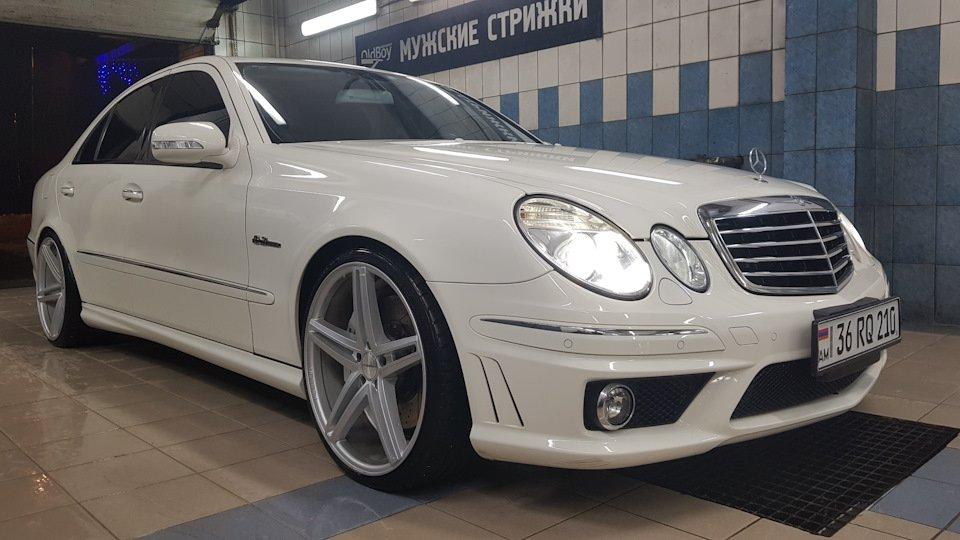 Mercedes-Benz E63 AMG W211 (3)