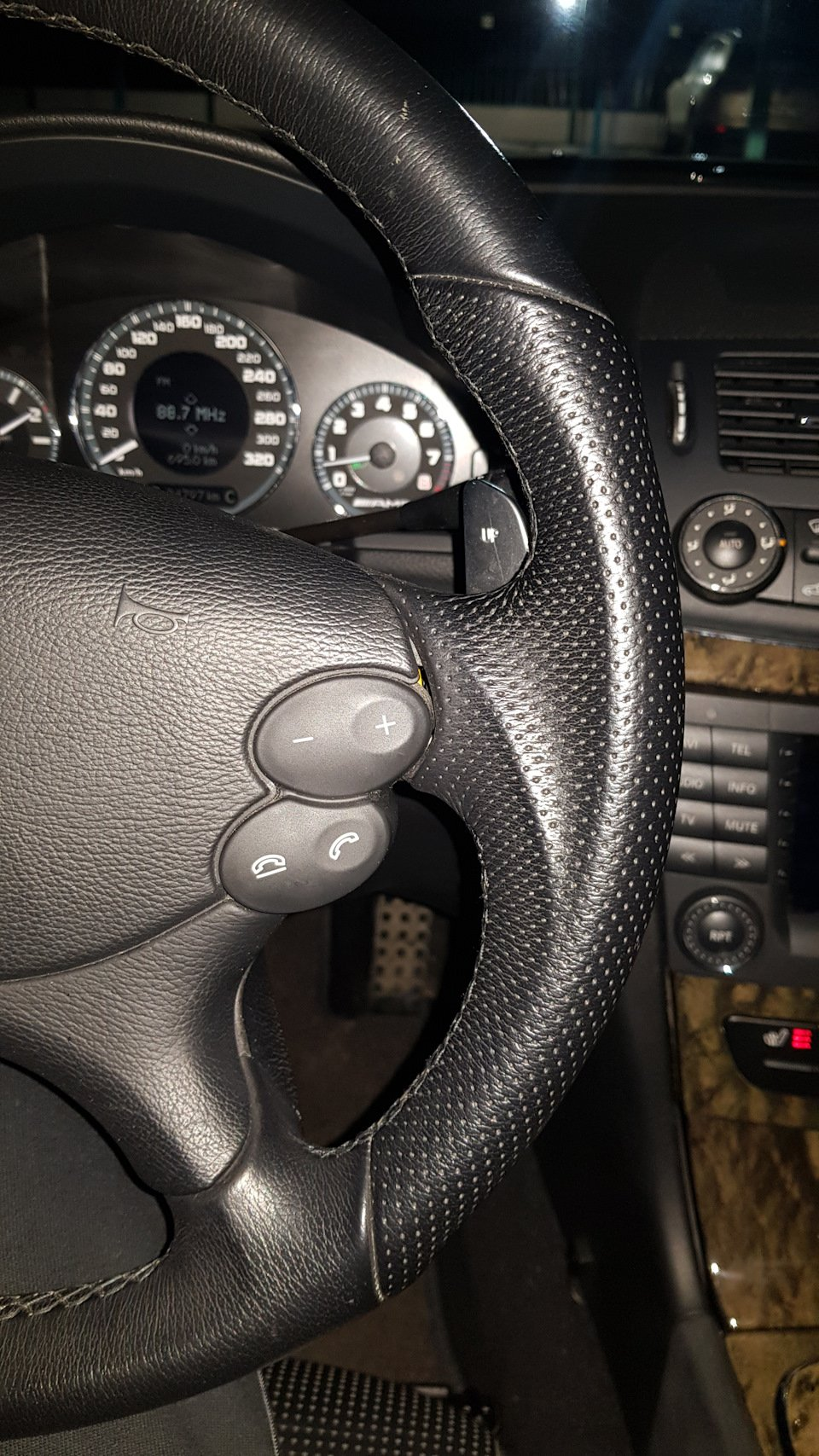 Mercedes-Benz E63 AMG W211 (9)