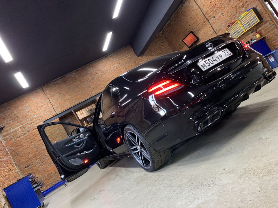 Mercedes-Benz E63 AMG (W213) (30)