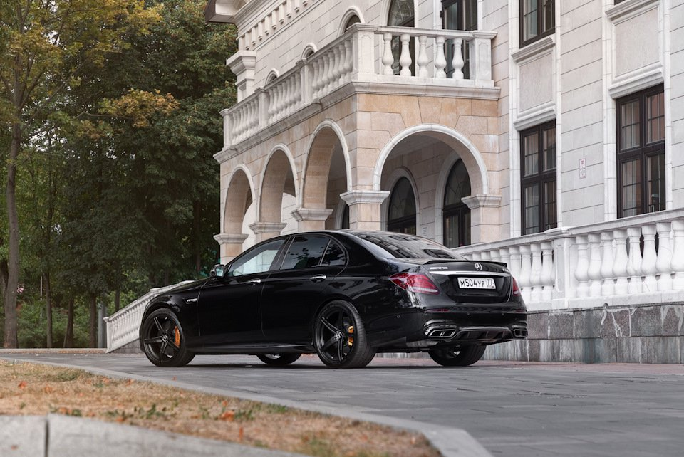 Mercedes-Benz E63 AMG (W213) (63)