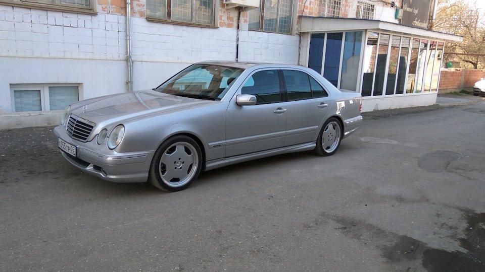 Mercedes-Benz E 55 AMG W210 (101)