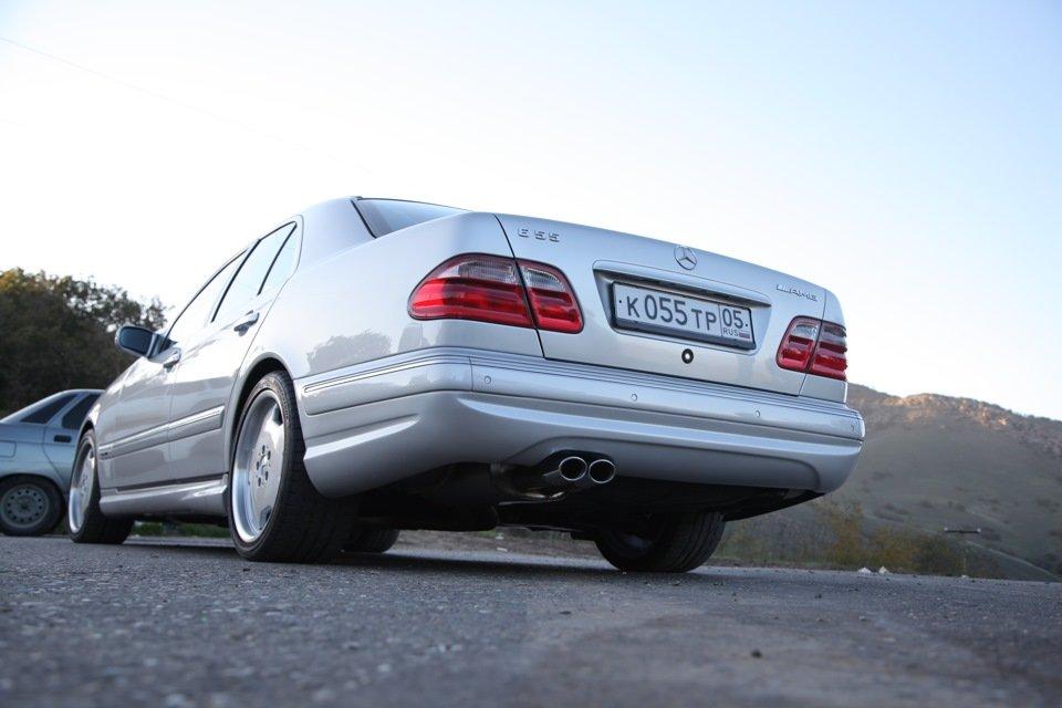 Mercedes-Benz E 55 AMG W210 (103)