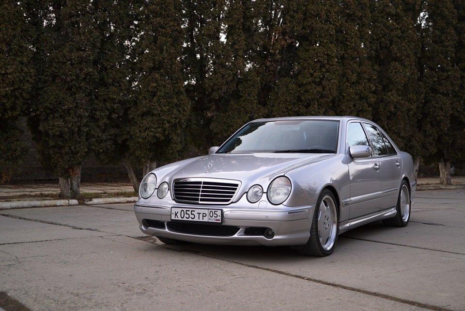 Mercedes-Benz E 55 AMG W210 (104)