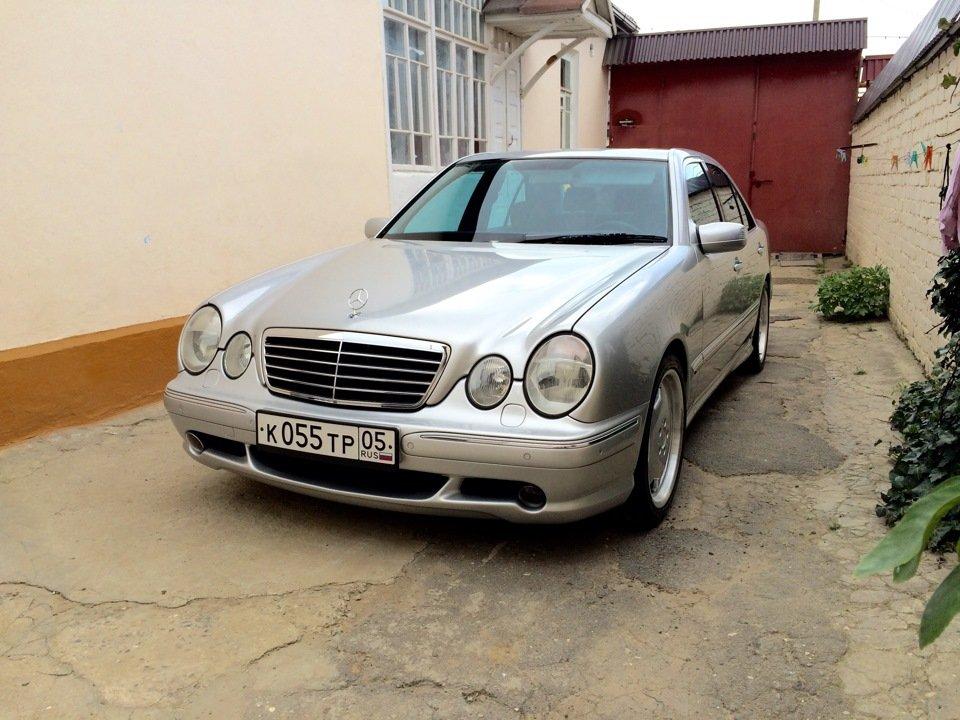 Mercedes-Benz E 55 AMG W210 (105)
