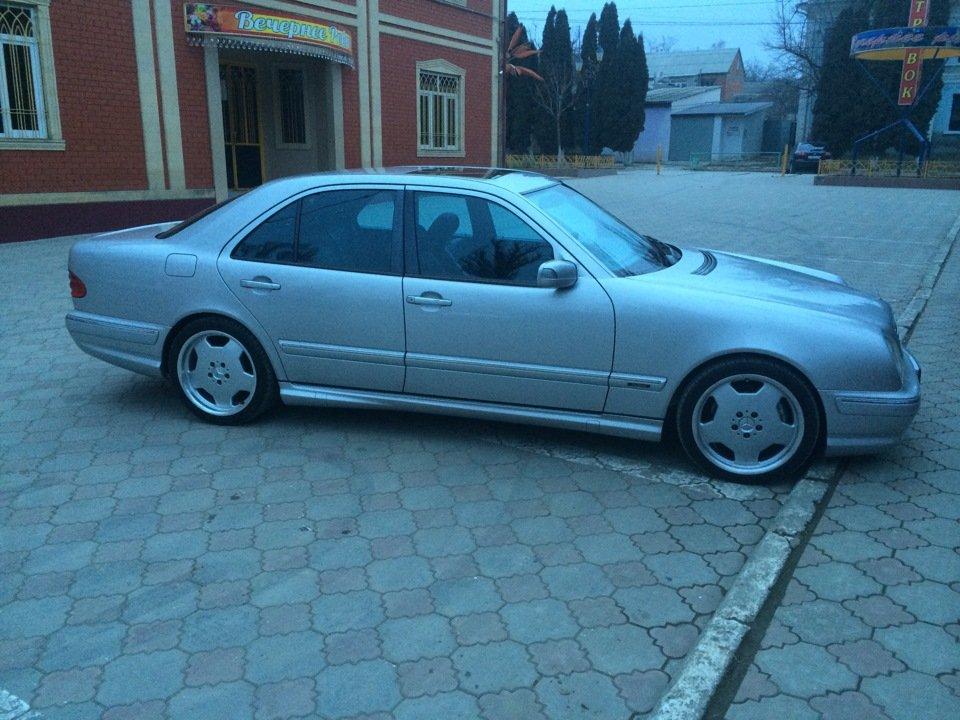 Mercedes-Benz E 55 AMG W210 (106)