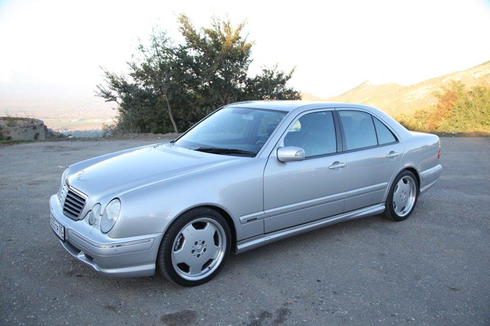 Mercedes-Benz E 55 AMG W210 (107)