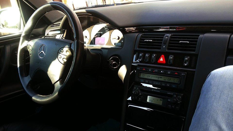 Mercedes-Benz E 55 AMG W210 (119)