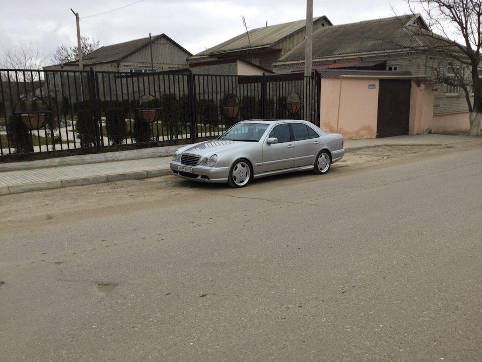 Mercedes-Benz E 55 AMG W210 (124)