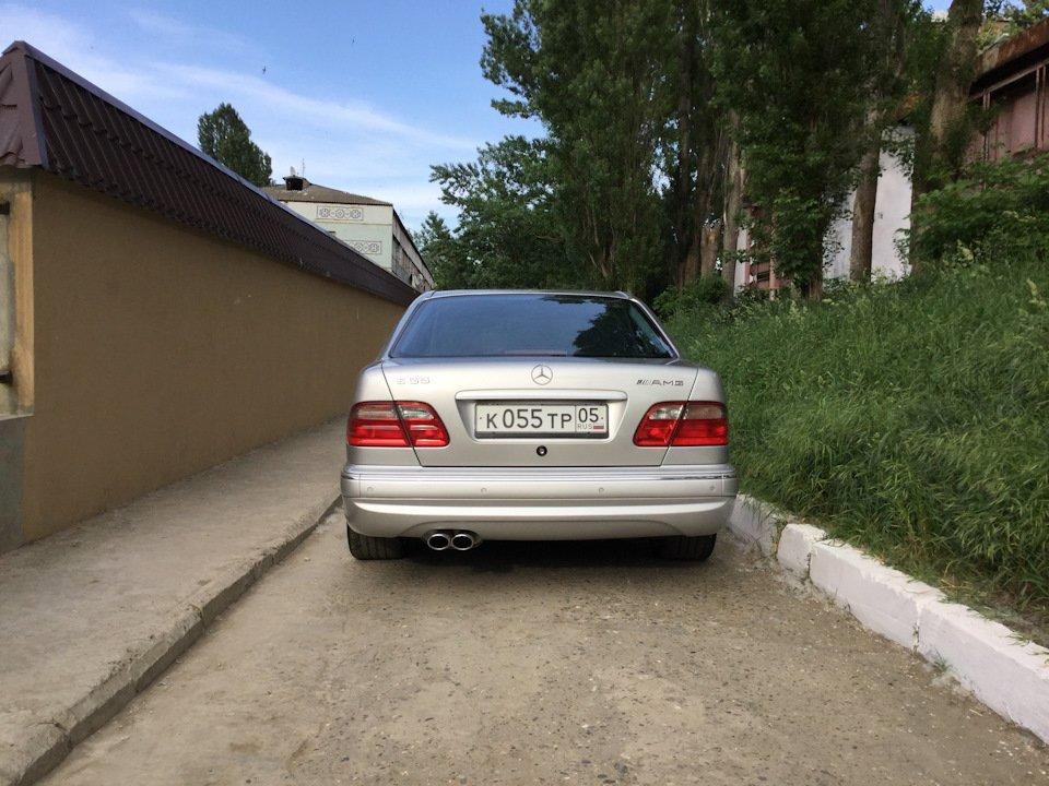 Mercedes-Benz E 55 AMG W210 (23)