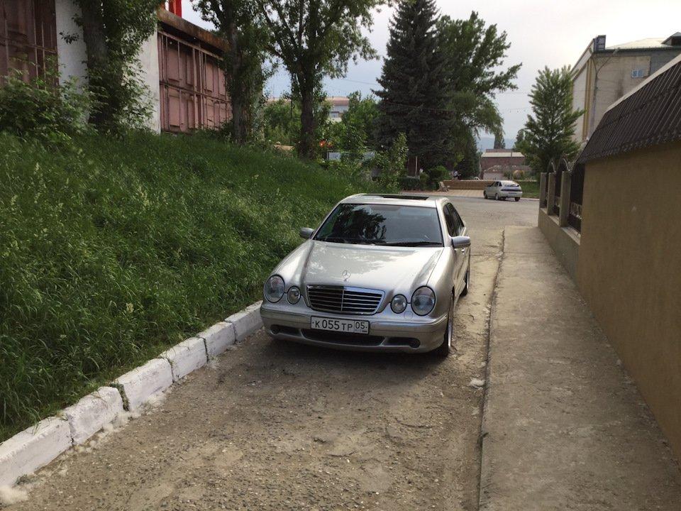 Mercedes-Benz E 55 AMG W210 (24)