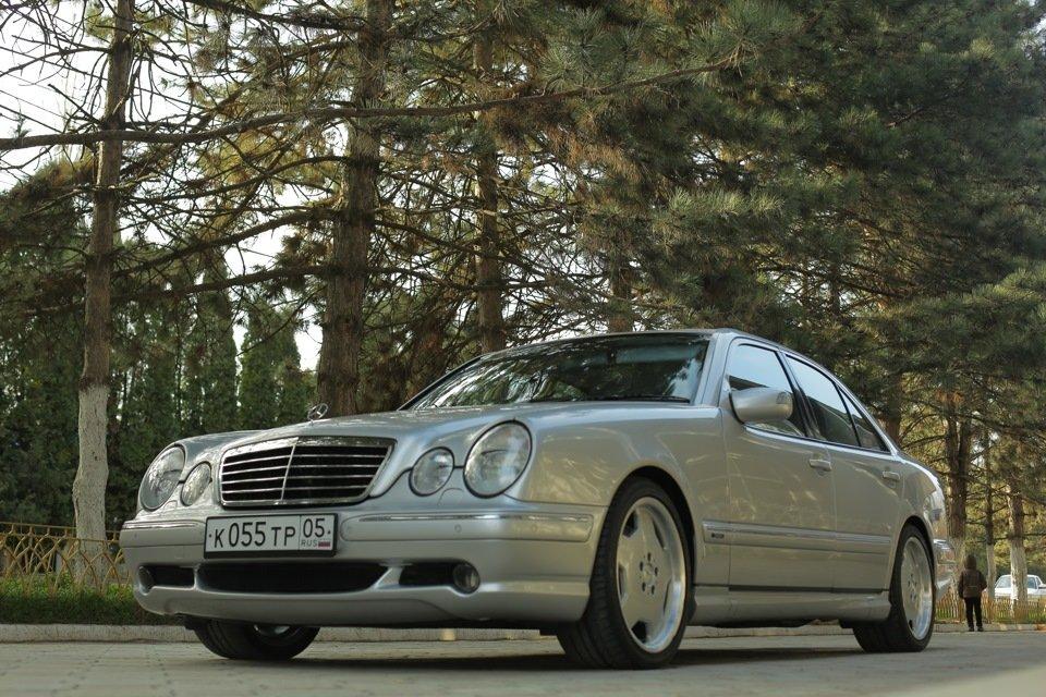 Mercedes-Benz E 55 AMG W210 (26)