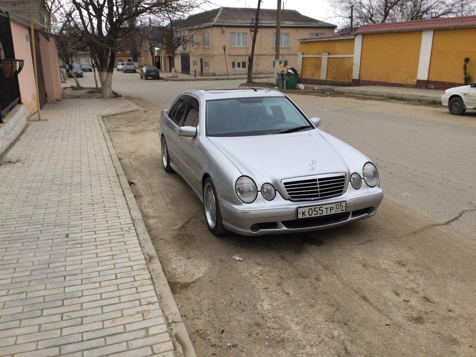 Mercedes-Benz E 55 AMG W210 (2)