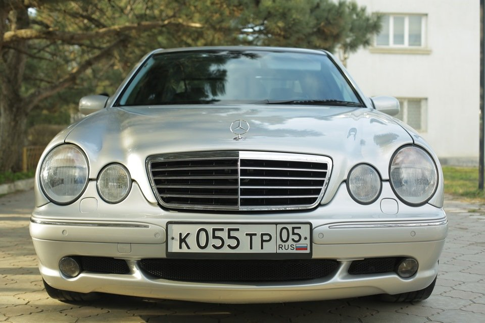 Mercedes-Benz E 55 AMG W210 (34)