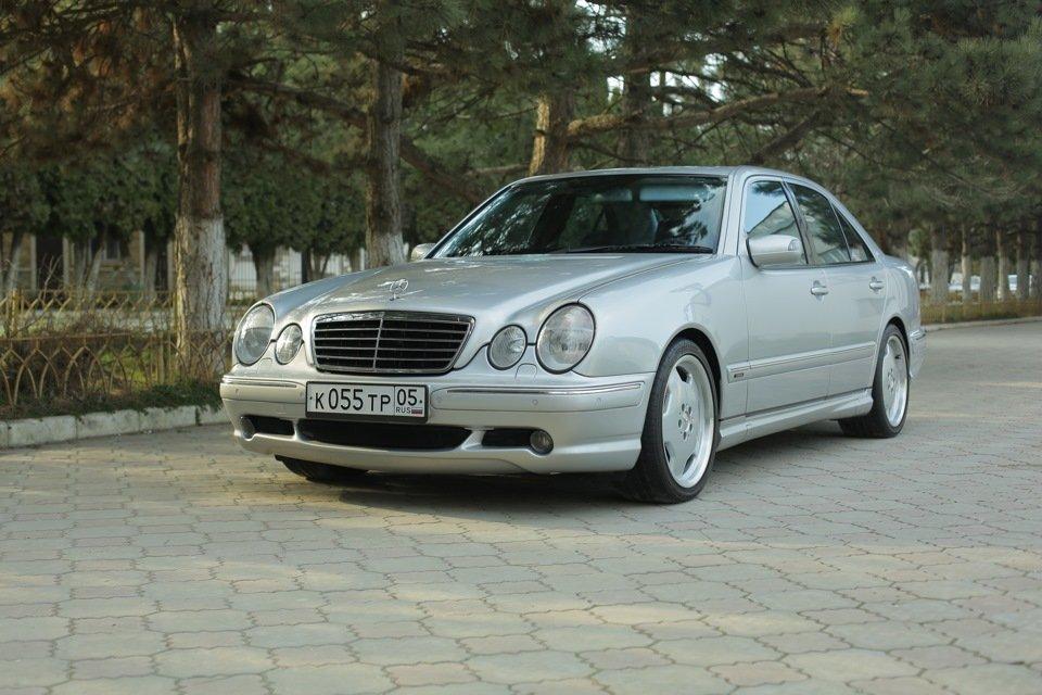 Mercedes-Benz E 55 AMG W210 (37)
