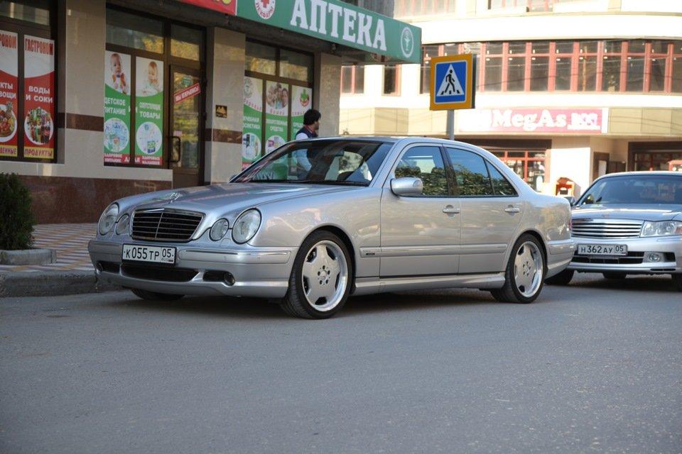 Mercedes-Benz E 55 AMG W210 (38)
