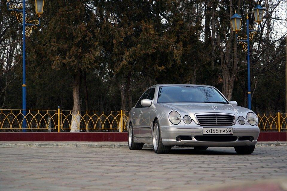 Mercedes-Benz E 55 AMG W210 (39)